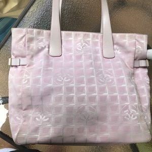 4f6679107 Women Pink Chanel Vintage Bag on Poshmark